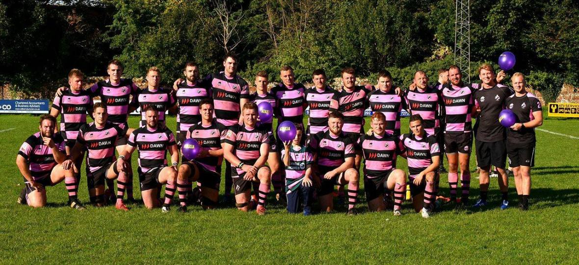 ayr-rugby-team-with-balloons
