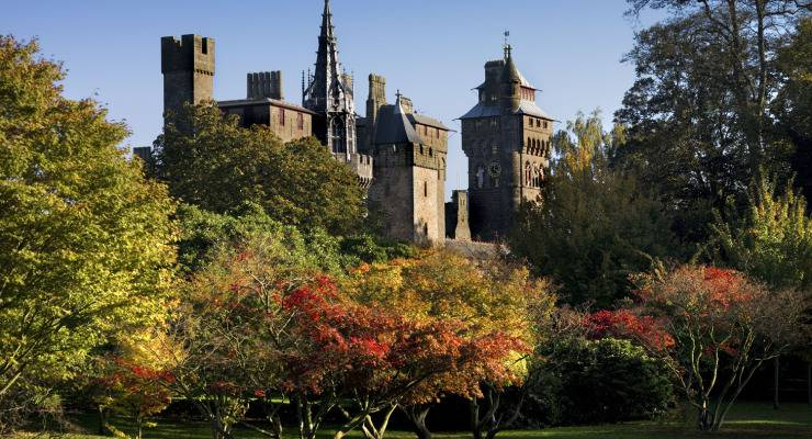 wales-CardiffCastle-from-bute-park-visitcardiff