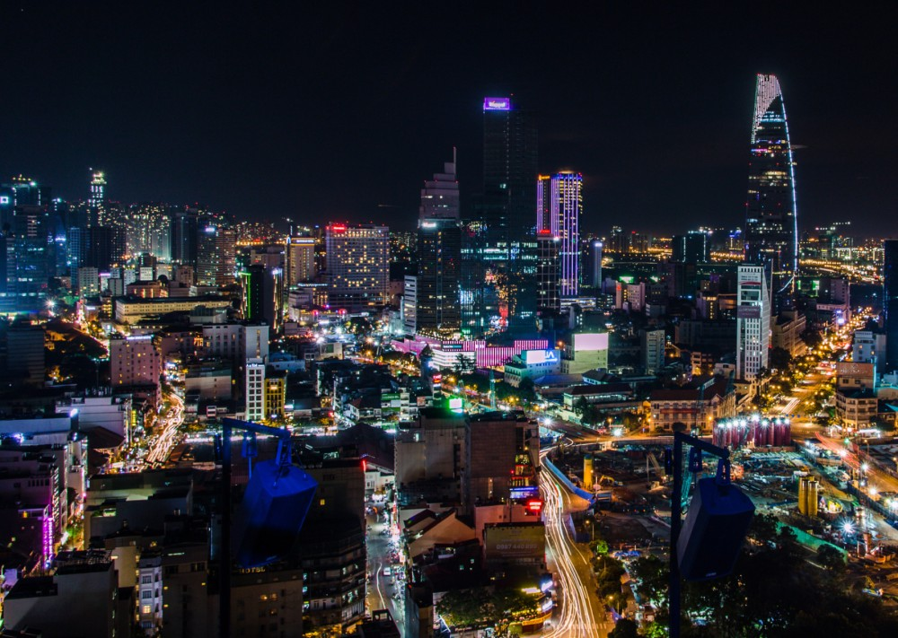 132-Ho_Chi_Minh_City_Skyline_(night)