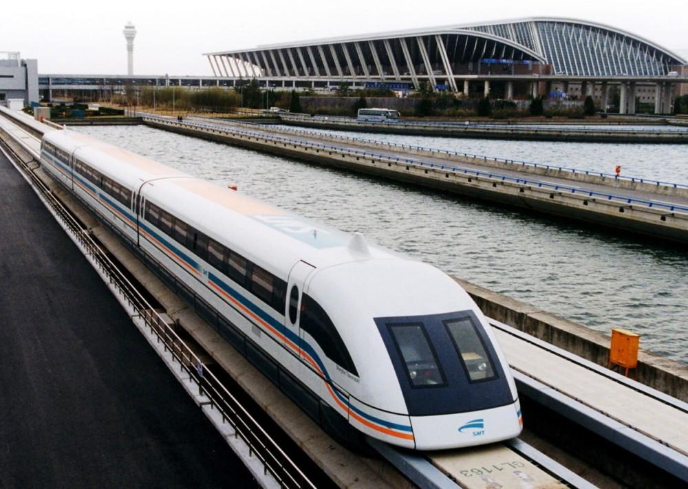138-Shanghai-Pudong-Airport-maglev