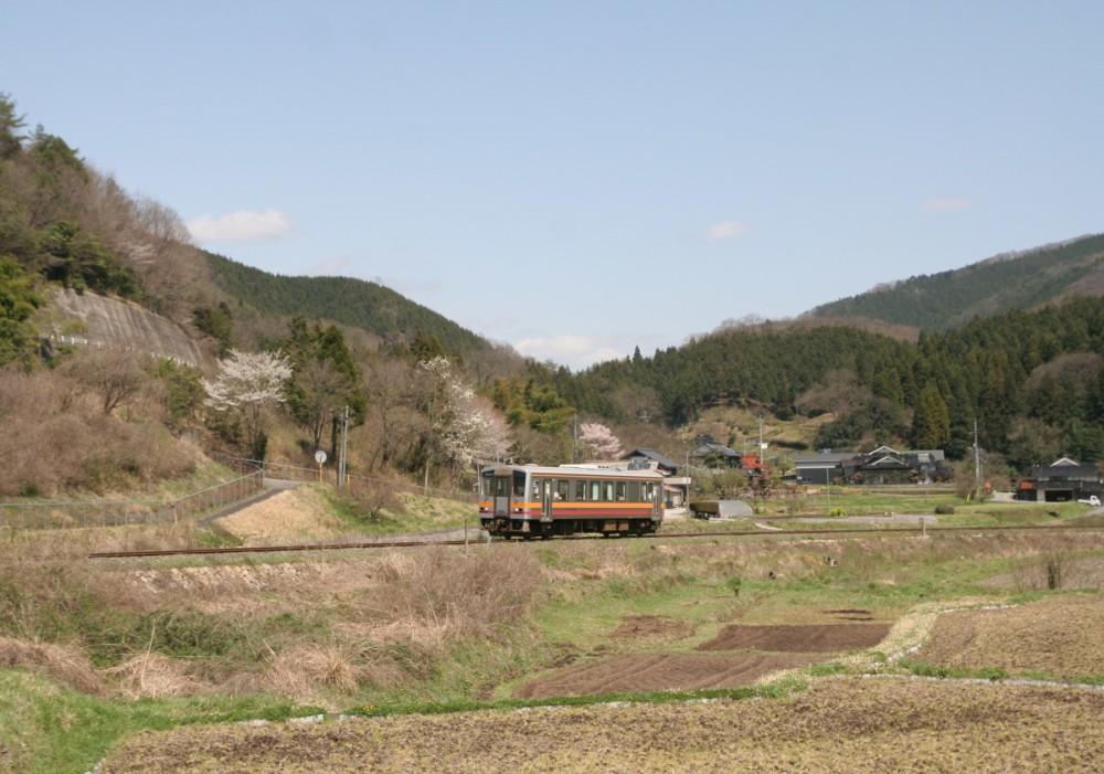 146-Geibi-Line_DC_kiha120_series