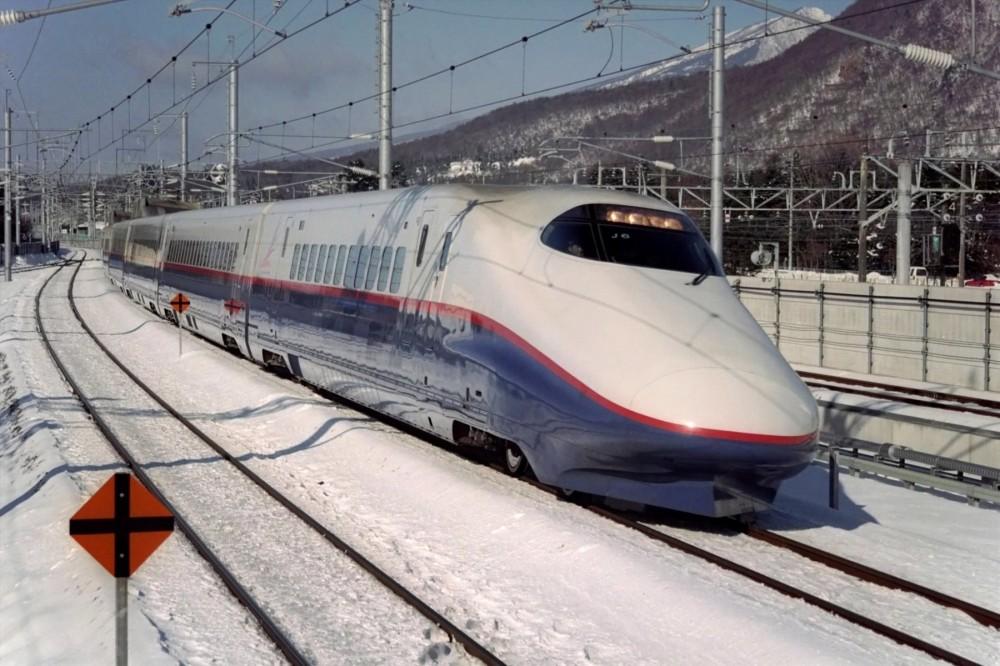 151-Hokuriku-Shinkansen