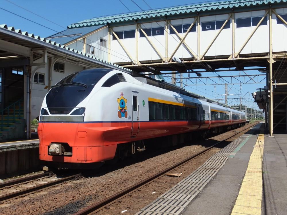 158-Tsugaru_3_at-Higashi-Noshiro-station