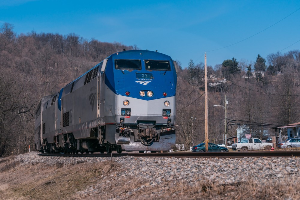 166-Capitol_Limited_passing_through_Coulter,_Pennsylvania,_March_2019