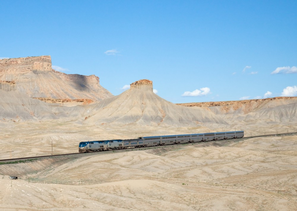 167-Amtrak_California_Zephyr_Green_River_-_Floy,_Utah