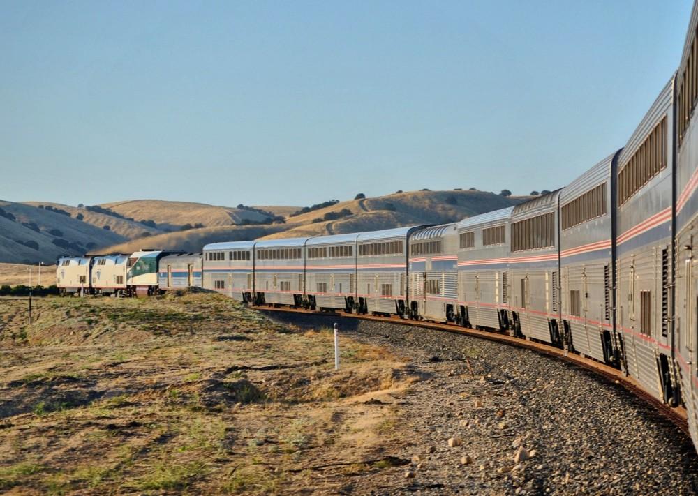 168-Amtrak_Coast_Starlight_north_of_Paso_Robles