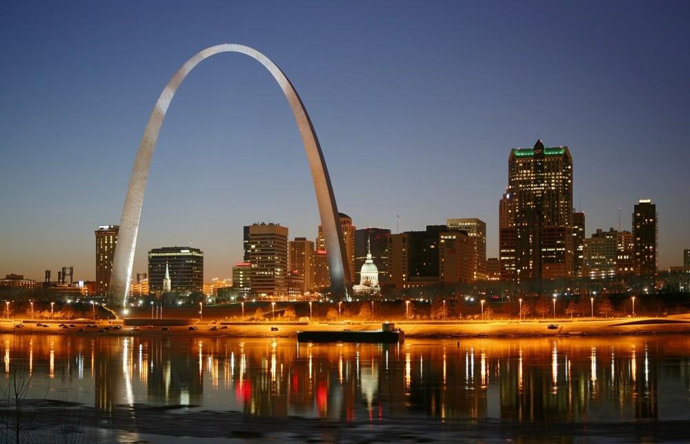 170-St_Louis_Missouri_night