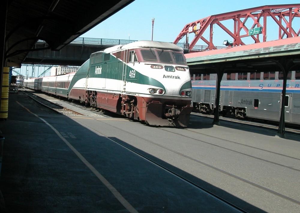 180-Amtrak-Cascades_Portland