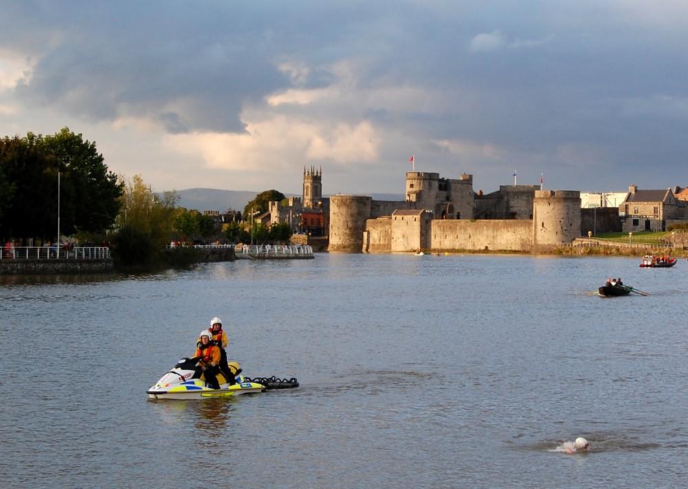 189-Limerick_King-Johns-Castle_2010