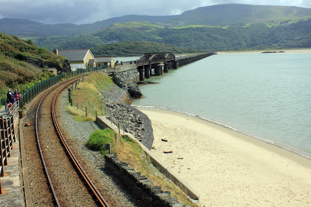 204-Cambrian_Coast_Railway_and_Barmouth_Bridge