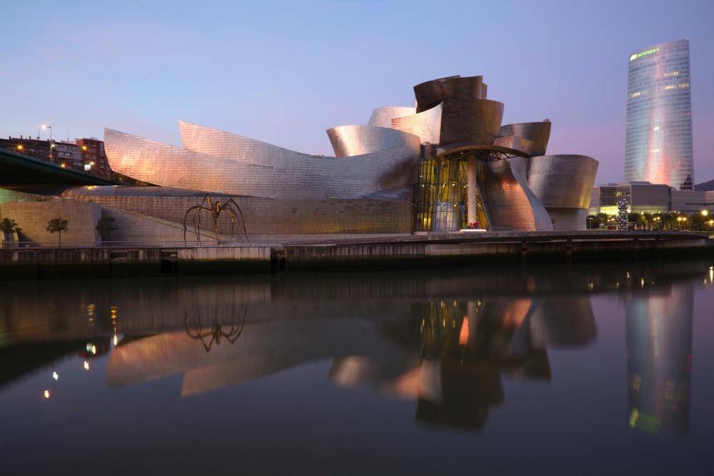 29-Bilbao_-_Guggenheim_aurore