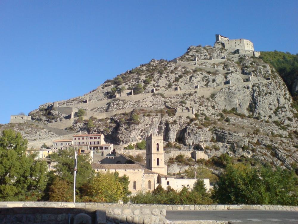 37-Entrevaux_-_Vieille_ville,_cathédrale_et_citadelle