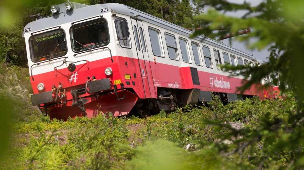 83-inlandsbanan-leaning